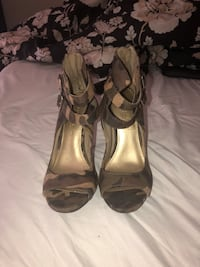 Christian Siriano Size 7.5 Heels Silver Spring, 20904