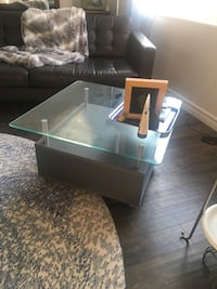 Glass top coffee Table on Wheels / Castors Mississauga, L5B 3W3
