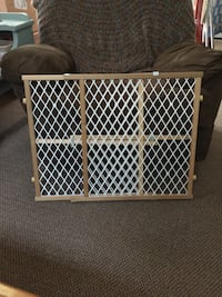 "Baby Gate 26"" to 42"" x 22.75 $10 each Firm  Toms River, 08753"