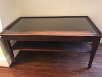 Antique wooden coffee table Alexandria, 22301