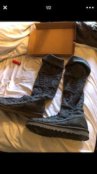 Rare Uggs grey over the knee size 10 in box excellent condition ! Phoenix, 85032
