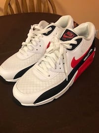 New Nike Air Max Sneakers  Sewell, 08080