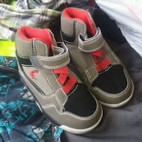 Boys shoes size 8 Reno, 89503