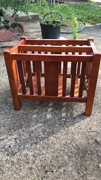 brown wooden crib with changing table Alexandria, 22310