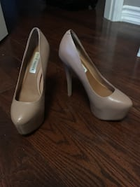 pair of white patent leather platform stilettos Pickering, L1V 4Y3