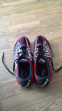 track shoes only worn once good condition and light in weight Grande Prairie