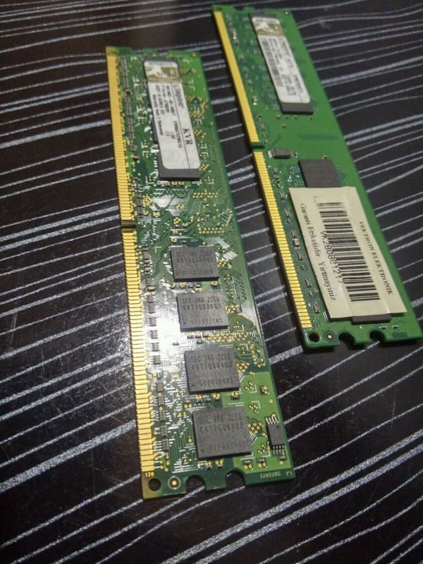 Kingston 1Gb DDR2 Ram ea84894a-7769-4983-9b1c-55d34ae64403
