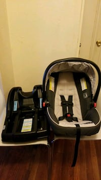 Car saat Graco compatible with any graco . New