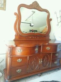 "Gorgeous pine wood"".vintage stained rich color Bakersfield, 93309"
