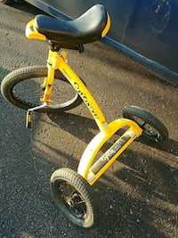 YELLOW 3 WHEEL CYCOCYCLE Barrie