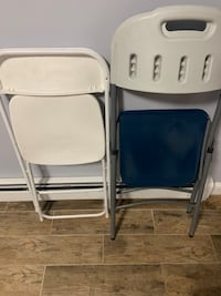 Each folding chair excellent condtion