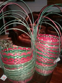 Christmas straw baskets their are 17  Montreal, H8N 2S5