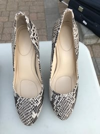 Faux snake leather   527 km