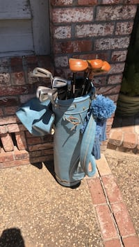 Woman's golf clubs and bag Marysville, 95901
