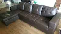 Sectional condo sized sofa Mississauga, L5M 1L1
