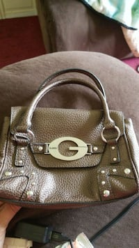 Guess small purse like new Queensbury, 12804