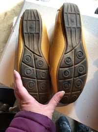 Yellow Leather Loafer Shoes Size 10