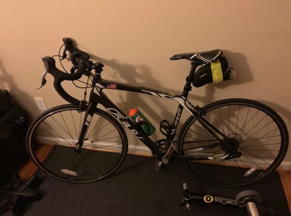 Excellent condition Felt Z5 54cm full carbon endurance frame. The bike is barely ridden likely underneath 150 miles. Getting rid of it because it's to nice a bike to not get used. Willing to work in a fluid trainer, pump, and mat for those app interested