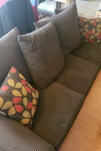 Brown Sofa w/ queen size fold out bed Moreno Valley, 92557