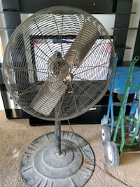 Dayton 30' commercial fan New Castle, 19720