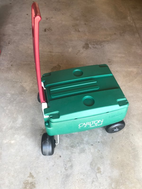 Rubbermaid Green 4 Wheeled Very Large Pull Handle Cooler cdaace34-c8ee-4fe9-9da2-c2bbdf5d4d48