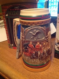 Collectible 1997 Budweiser Holiday Stein Calgary, T2X