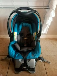 babytrend carseat and base Las Vegas, 89178