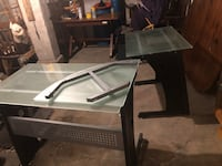 L- shaped frosted glass top desk Allentown, 18103