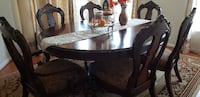 Oval Dining table with 6 charis CHANTILLY