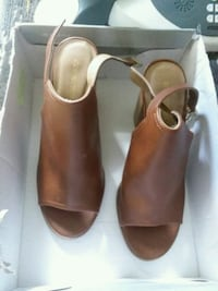 pair of brown leather open-toe heeled sandals Hagerstown, 21740