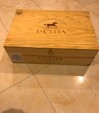 Wine crates/box (serious buyer only) New York, 11373
