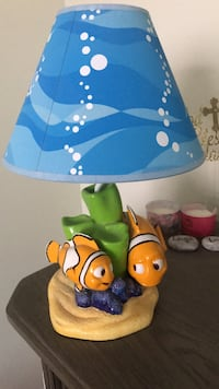 Disney finding nemo lamp. Includes bulb. Excellent condition Brampton, L6Y 0N7