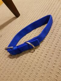 Large blue collar. Never used - perfect condition. London, N5Z 4P4