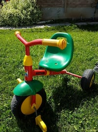 green and red trike