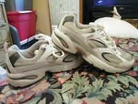 NEW SIZE 6 TENNIS SHOES