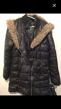 Nice winter jacket size S must go Montréal, H4E 3T5
