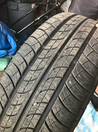 black auto wheel with tire Bradford West Gwillimbury, L3Z