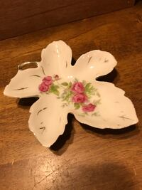 Pretty !!! Porcelain Victorian Vintage Trinket Dish Free with purchase Gainesville, 20155