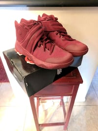 pair of red Nike basketball shoes with box Coral Springs, 33065