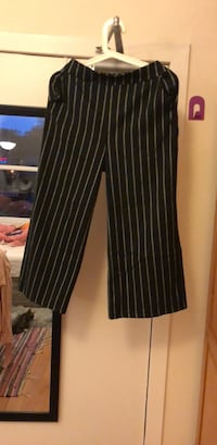 black and white striped pants 史特灵, FK8 1UF