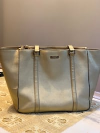 Authentic katespade golden saffiano bag gently used  Mississauga, L5V 1R4