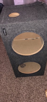 Box for 2 10' subs willing to trade for amp Santa Ana, 92705
