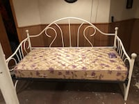 Day bed Lynbrook, 11563