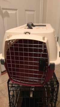 Great cream & red Pet Kennel Carrier with Handle Gainesville, 20155