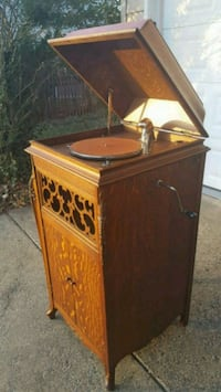 Large 1920 Antique Cecilian Phonograph Victrola Record Player  Fairfax, 22032
