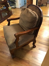 Large wood and upholstery chair Edgewater, 21037