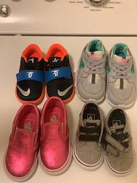 Four pairs of assorted color shoes Alexandria, 22314