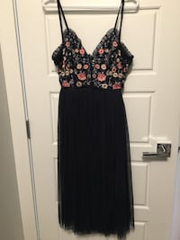 Occasion by Dex embroidered dress M Calgary, T3R