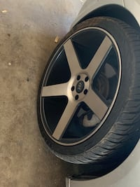Chrysler 300/ Dodge Charger/ford crown Victoria 22inch rims