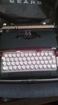 Medalist electric 12 seara type writter